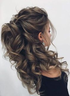 10 Best Half Up Half Down Curly Hairstyles & Haircuts If you feel that your current hairstyle is not Down Curly Hairstyles, Quince Hairstyles, Wedding Hairstyles For Long Hair, Fancy Hairstyles, Different Hairstyles, Bride Hairstyles, Hairstyles Haircuts, Hair For Prom, Wedding Hairstyles Half Up Half Down