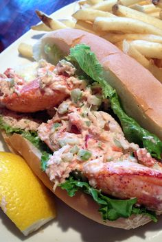 Lunchtime! #travel #food lobster roll. Have to get one when in Boston.