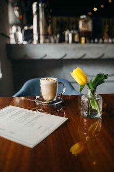Morning coffee #inspiration#cafe#town#morning#tulip