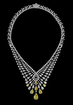 Indian Influences – High Jewelry Necklace Platinum, pear-shaped diamonds, pear-shaped yellow diamonds, brilliants.