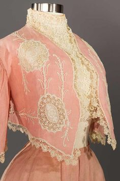 Pretty pink for strolling on summer days. pink linen skirt and bolero ensemble sold by Augusta Auctions. Edwardian Clothing, Edwardian Dress, Antique Clothing, Historical Clothing, Antique Toys, Vintage Outfits, Vintage Gowns, Vintage Mode, 1900s Fashion