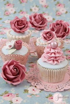 Country Rose Cupcakes