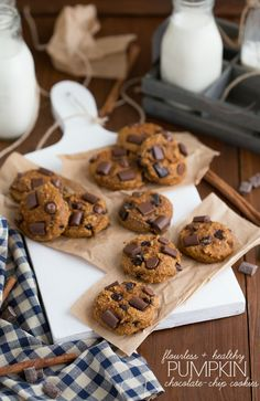 {Flourless & Healthy} Pumpkin Chocolate-Chip Cookies