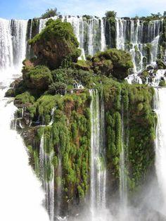 Iguazu+Falls,+Brazil.jpg (736×981)