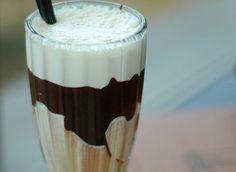 Postre de café irlandés. Para los amantes del café, del whisky y de los postres. Puro sabor en una crema fluida, melosa, que invadirá cada pequeño hueco de tu boca.
