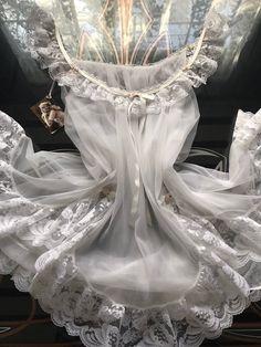 bfcfbae0308d 1970s Vintage Tosca White Nylon Chiffon & Lace BabyDoll Bridal Nightgown Set