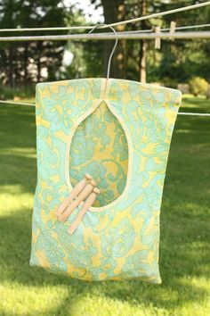 Clothes Pin Bag with Wooden Clothespins