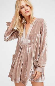 Free People Velvet Dress - Medium for Sale in Seattle, WA - OfferUp Look Fashion, Fashion Outfits, Fall Outfits, Winter Fashion, Fashion Trends, Mode Top, Velvet Fashion, Mode Inspiration, Dress Me Up