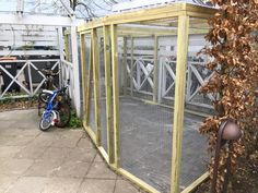 Special tilpasset hønsegård med tag af voliere og trapez