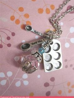 Cute necklace for bakers (and cupcake lovers)