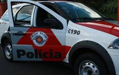 A Polícia Militar atendeu uma ocorrência de capotamento de um VW Fusca na noite deste domingo, 07, na estrada de Toledo, vicinal que liga Botucatu a São Manuel e Pratânia. Masquando os policiais chegaram ao local, não encontraram nenhuma vítima, ou seja, o veículo foiabandonado.  A