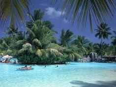 Мальдивы. Бассейн Солнечного острова. .... Совершенно не нужен ;-)