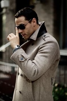 """Daniel Sunjata (rocking some nice aviators) "" no idea who he is but want to get under his coat"