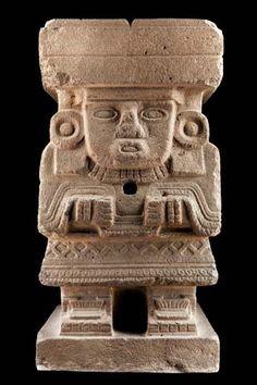 Chalchiuhtlicue, monolito antropomorfo, P. Clásico Museo Nacional de Antropología- d.c.