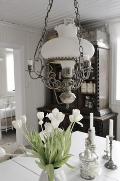 ZsaZsa Bellagio Like No Other - Modern White Tulips, White Rooms, Shades Of White, Small Patio, Eclectic Decor, Oil Lamps, Home Interior, Light Fixtures, Sweet Home