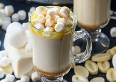 White hot chocolate is a tasty slow cooker hot chocolate recipe to make this season. Just a few ingredients and a little time to caramel white hot cocoa. Cheap Chocolate, Homemade Hot Chocolate, Hot Chocolate Bars, Chocolate Topping, Hot Chocolate Recipes, Chocolate Factory, White Chocolate, Homemade Caramel Sauce, Caramel Recipes