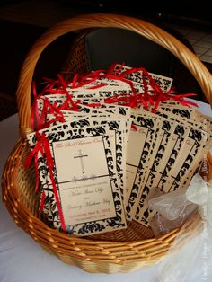 #wedding #blackandred #programs #custom by dayna mancini // event design and coordination // cutetc.com