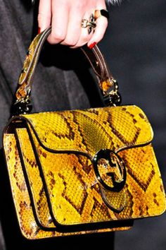 Celebrities who wear, use, or own Gucci Fall 2011 Snakeskin Bag. Also discover the movies, TV shows, and events associated with Gucci Fall 2011 Snakeskin Bag. Tote Handbags, Purses And Handbags, Gucci Purses, Branded Bags, Cloth Bags, Beautiful Bags, Fashion Bags, Leather Bag, Fashion Accessories