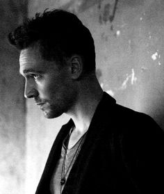 Tom Hiddleston (again <3) in black & white photo version