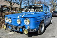 #Renault #R8 #Gordini au salon de Reims. Reportage complet : http://newsdanciennes.com/2016/03/13/grand-format-les-belles-champenoises-depoque-2016/ #ClassicCar #Vintage #Car #Voiture #Ancienne