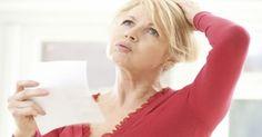 H εμμηνόπαυση συμβαίνει οταν σταματάει η έμμηνος ρύση μιας γυναίκας και δεν είναι πλέον γόνιμη. Είναι ένα φυσιολογικό μέρος της ζωής μιας γυναίκας και δεν