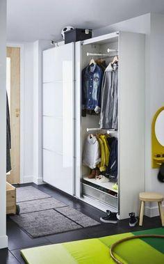 IKEA PAX ikea pax schuifdeuren hal The post IKEA PAX appeared first on Garderobe ideen. Hall Wardrobe, Ikea Pax Wardrobe, Bedroom Wardrobe, Wardrobe Ideas, Ikea Living Room, Living Room Flooring, Dressing Ikea, Pax Closet, Murphy Bed Ikea