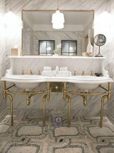 Stunning bathroom wi