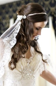 Bride's half up long curls bridal hair Toni Kami Wedding Hairstyles ♥ ❷ Wedding hairstyle ideas 20's vintage veil