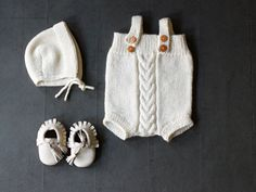 In English! As a first time world wide release, Ministrikk is honoured to be able to offer the knitting pattern for one of Kalinka Kids' most popular designs. The Kalinka romper pattern, finally available via Ministrikk.no/en ❄️ Knitting For Kids, Baby Knitting, Baby Girl Items, Rompers For Kids, Romper Pattern, Sweater Shop, Boho Baby, Baby Kids Clothes, Baby Sweaters