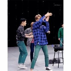 Animated gif uploaded by ♡ ℂ𝕙𝕖𝕟'𝕤 𝕊𝕞𝕚𝕝𝕖 ♡. Find images and videos about gif and exo on We Heart It - the app to get lost in what you love. Kyungsoo, Kaisoo, Chanyeol, Exo Variety Shows, Here I Stand, Exo Couple, Bambam, Got7, Kim Jong In