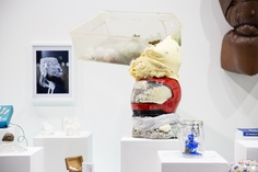 Exposition Substance, Head – Genève 2006-2012, présentée à artgenève du 31 janvier au 3 février 2013. ©Rebecca Bowring Display, Children, Art, Radiation Exposure, Floor Space, Kids, Craft Art, Billboard, Kunst