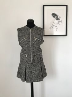 90s Versace vintage women suit in wool #versace #gianniversace #vintageversace #90sfashion #madeinitaly #tweed #wool #womendress #etsy #etsyvintage #etsyvintageshop #versacewomen #wooldress