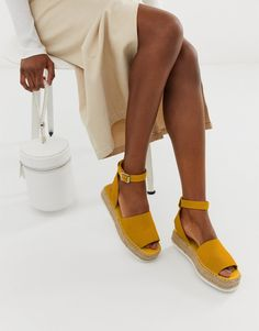 Discover flat sandals on sale for women at ASOS. Shop the latest collection of flat sandals for women on sale. Black Flatform Sandals, Leather Sandals Flat, Slingback Shoes, Espadrilles, Chunky Loafers, Chunky Sandals, Toe Loop Sandals, Flat Sandals