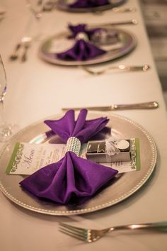 Brighten up your table decor with colored napkins and bling wraps! Photo by Rising Lotus Photography