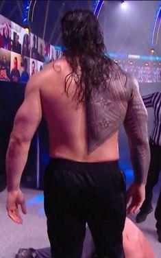 Roman Reigns Wwe Champion, Wwe Roman Reigns, Roman Reigns Tattoo, Becky Wwe, Roman Regins, Wwe Pictures, Roman Warriors, Wwe Champions, Sexy Men