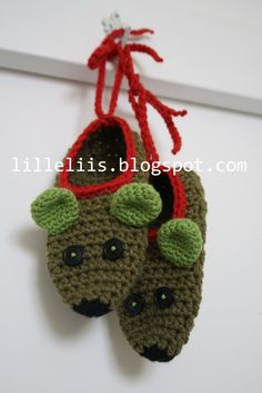 new products b202a 98893 Crochet slippers for my little one Love the mouse face!