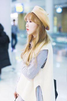 Kpop Girl Groups, Korean Girl Groups, Kpop Girls, Seulgi, Korean Airport Fashion, Korean Birthday, Wendy Red Velvet, Airport Style, South Korean Girls