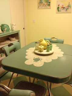 217 vintage dinette sets in reader kitchens - Retro Renovation. I want one of these