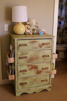 to hold books or mags! Now I know what to do with that little dresser in the boys room so love this idea :):)