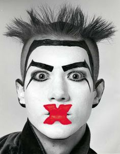 Michael Alig reigned in the Nightlife club scene in New York City in the as a club promoter and musician. He started The Club Kids and his legacy has Michael Alig, Club Fashion, Makeup Goals, Makeup Inspo, Makeup Inspiration, Halloween Kostüm, Halloween Face Makeup, Punk Rock, Blitz Kids