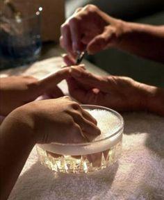 Bancar a manicure é uma alternativa desde que haja cuidados