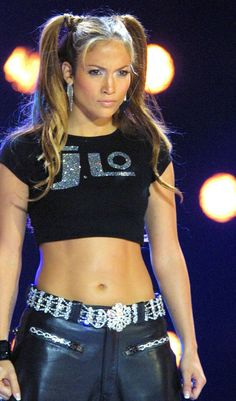 Image discovered by Find images and videos about Jennifer Lopez and jlo on We Heart It - the app to get lost in what you love. Early 2000s Fashion, 90s Fashion, Fasion, Oprah Winfrey, Beyonce, Jennifer Lopez Images, Looks Hip Hop, Jenifer Lawrence, Sexy