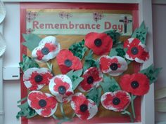 Remembrance Day Display, Classroom Display, poppy, WWI, world war – Artsupplies Class Displays, School Displays, Classroom Displays, Remembrance Day Activities, Remembrance Day Art, Ww1 Art, Art For Kids, Crafts For Kids, Poppy Craft