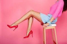 Want toned, lean mini-skirt worthy legs? These top 10 leg exercises will not only get rid of the thigh fat and cellulite in the back of your legs, but also tighten and reshape your entire lower half to get you the legs to kill for. Thigh Exercises For Women, Leg Workout Women, Best Leg Workout, Leg Day Workouts, Squat Workout, Workout Warm Up, Leg Exercises, Weight Exercises, Training Exercises