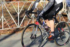 http://brimages.bikeboardmedia.netdna-cdn.com/wp-content/uploads/2015/10/Niner-BSB9-cyclocross-bike-review-action02.jpg