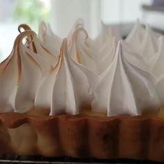 Chef made the most delicious lemon meringue pie! Lemon Meringue Pie, Professional Chef, Icing, Food Photography, Cooking, Desserts, Books, Recipes, Kitchen
