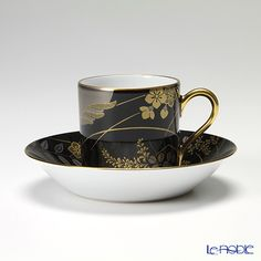 Tsukimi of the yearly calendar series combining Autumn Grass in the Mid autumn moon. In hand-painted black jet, gold and silver moon and autumn are chic and cup & saucers to spend adult time.