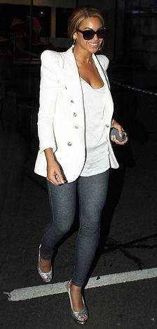 Beyonce in Jean Leggings!