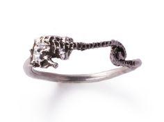 Pygmy Seahorse Midi Ring   www.silverella.nyc #midiring #seahorse #pygmyseahorse #pirateprincess #silver #ring #silverella #oceanjewelry