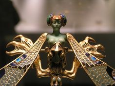 Rene Lalique's dragonfly brooch